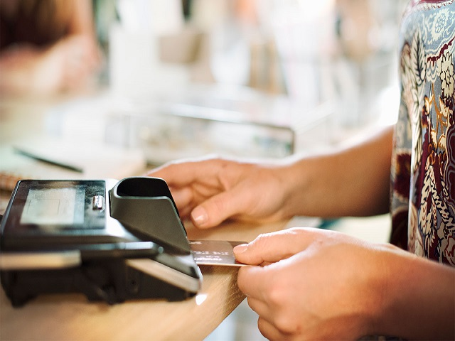 is-a-charge-card-better-than-a-credit-card