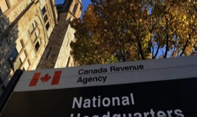CRA Scam: Woman arrested by Fake Police, forced to pay cash