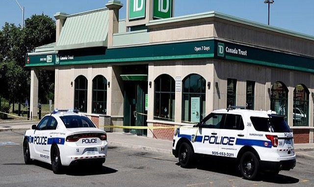 TD Bank robbed in Brampton plaza in broad daylight