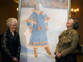 Former governor general Adrienne Clakson laughs with Pratt in front of the official portrait of herself after a unveiling ceremony at Rideau Hall in Ottawa in February 2007.