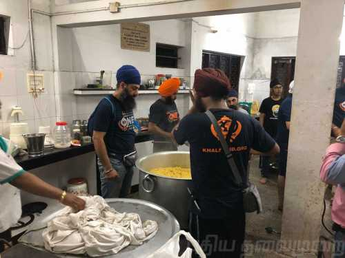 Kerala floods: Khalsa Aid volunteers set up Langar to feed 2000 people