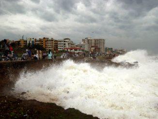 Cyclone to hit Odisha and Andhra Pradesh coasts tonight