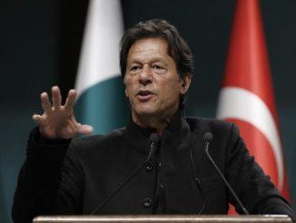 Pak to issue multiple, on-arrival visas to Sikh pilgrims PM Khan