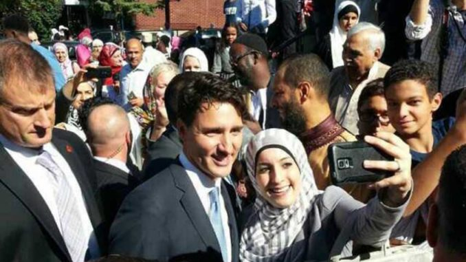 """""""On behalf of our family, Sophie and I wish all those celebrating a joyful Eid."""" - Justin Trudeau"""