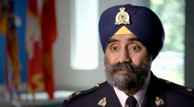 RCMP discriminate over mask policy for bearded front-line officers